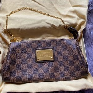 Pre-owned Authentic Louis Vuitton Eva Clutch